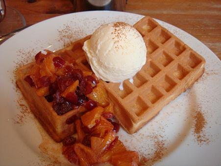 オレンジクランベリーソース&アイスクリーム&シナモン@Waffle's