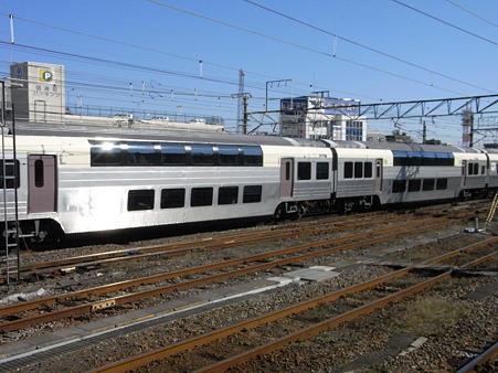 215系(八王子駅)2