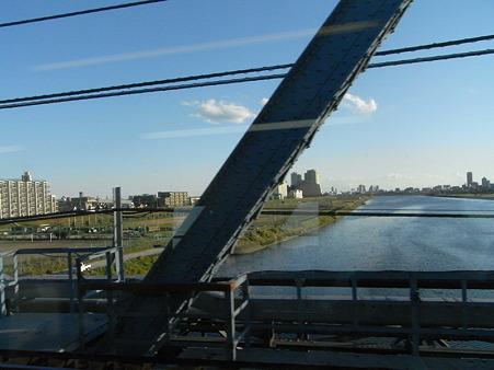 E231系湘南新宿ライングリーン車1Fの車窓9