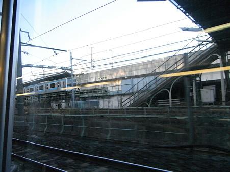 E231系湘南新宿ライングリーン車1Fの車窓29