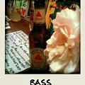 写真: bass & carnation