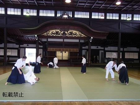 京都武徳殿 合気道教室179336_338259952913165_945240287_n