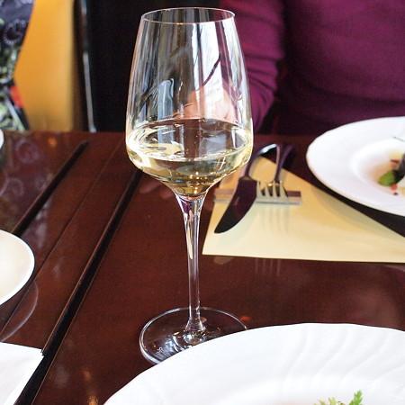 昼から白ワイン(OLiランチ)