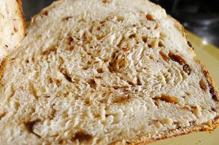 これまで作った米粉100%の中では一番パンらしいかも