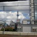 写真: 錦糸町駅なう。これから楽器店に向かいます。駅のホームからスカイツ...