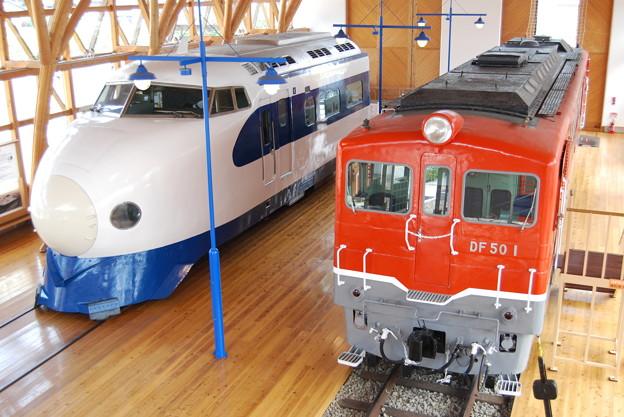 新幹線0系とDF501
