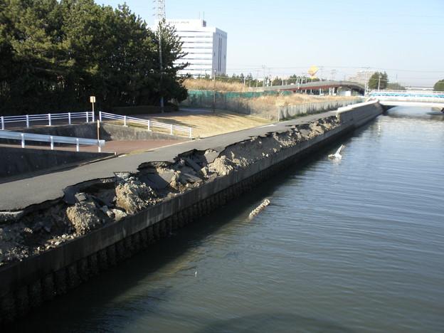液状化による護岸の崩落