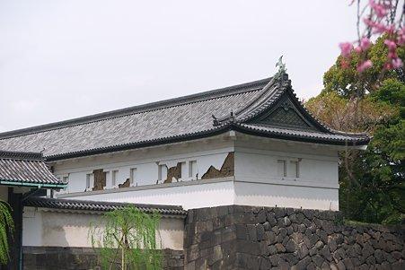 2011.04.11 皇居 大手門 渡櫓の壁 震災被害