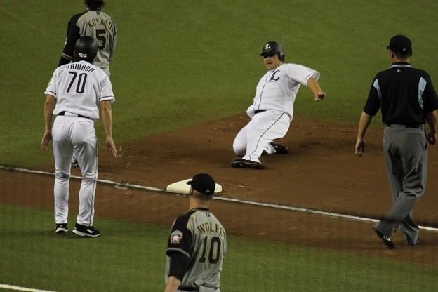 写真: 本日唯一の3塁到達