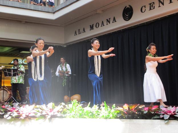 2012 Ala Moana center stage_018