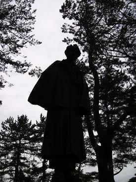 120524太宰治像